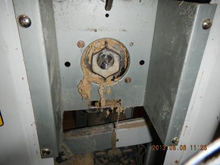 精米器修理 (1)