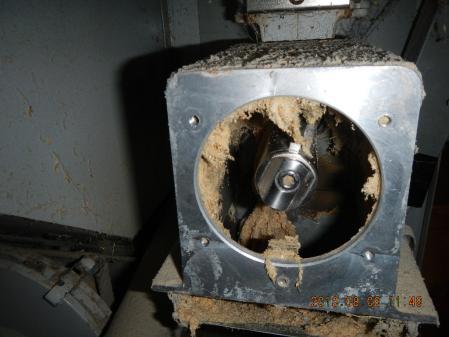 精米器修理 (3)
