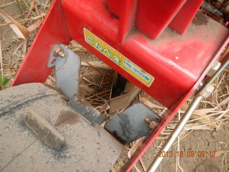 麦畑の耕起作業 (5)