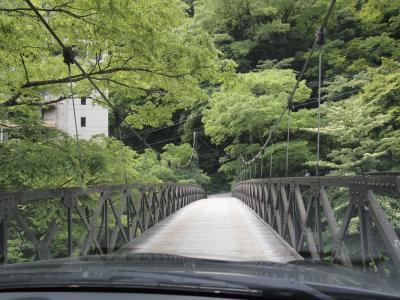 吊り橋を渡って宿へ。(ちなみにこの写真は帰り)