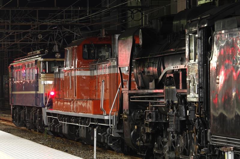 EF65 501+DD51 888+D51 498+オヤ+旧客