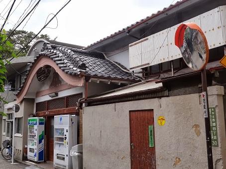 本郷菊坂12