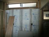 外廻り壁断熱材充填確認