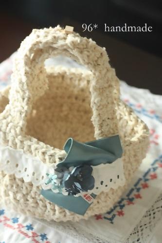 編みバッグ ブルー花