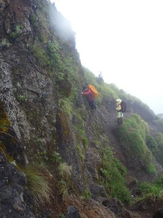 13 軽い岩登り