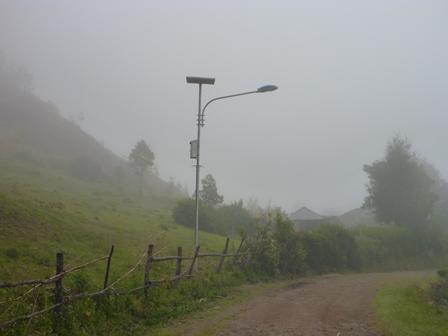14太陽光発電の電燈