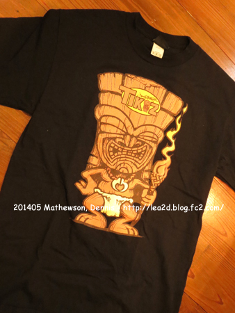 201405 Dennis Mathewson(デニス・マシューソン)さん、デザインT シャツはPacific Harley Davidson(ハーレー・ダビッドソン)