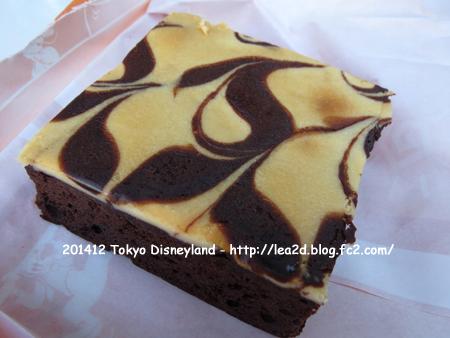 2014年12月 Tokyo Disneyland(東京ディズニーランド)のクリスマス 食べる(クリームチーズ・ブラウニー)