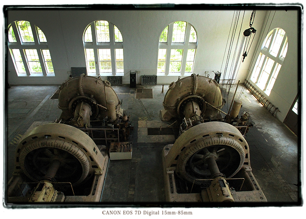 八百津発電所の発電機1308yaotsu031.jpg