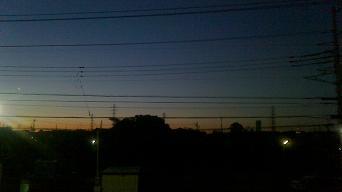 まだ暗い朝