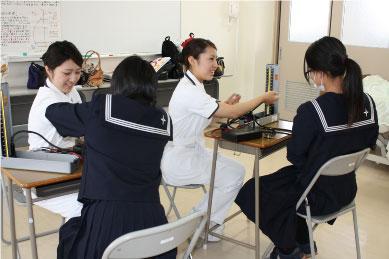 【看護学科】血圧測定の体験