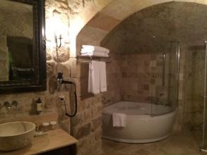 カッパドキアDere Suites 浴室とトイレ