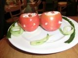 1料理トマトお化けサラダ