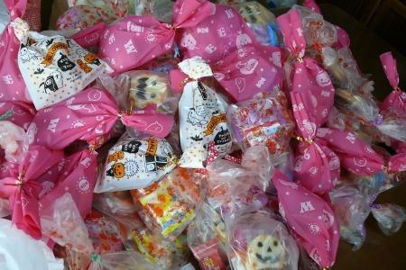 ハロゥイン用の山盛りお菓子♪