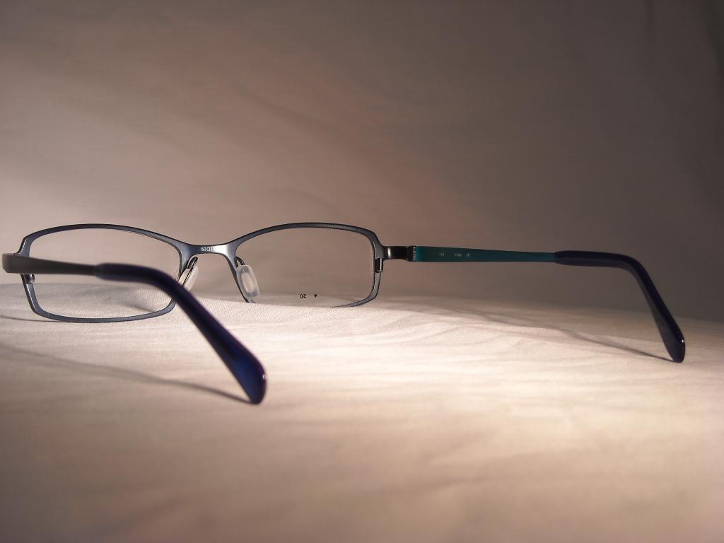 コーキ 品番:V-326 フレームカラー:BL レンズサイズ:50ミリ
