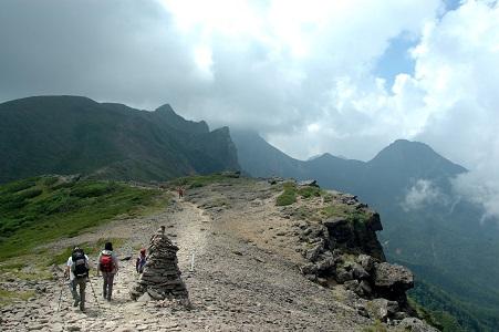 横岳への登山道