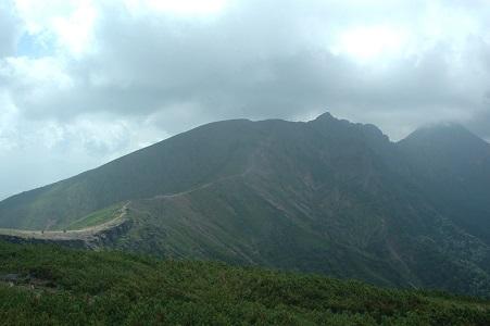 横岳への道