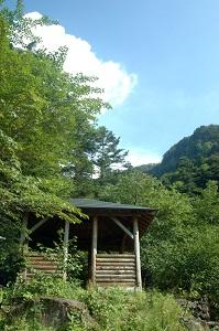 夏沢鉱泉の休憩所