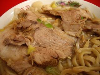ラーメン二郎 札幌店 小豚(ブタ全体)
