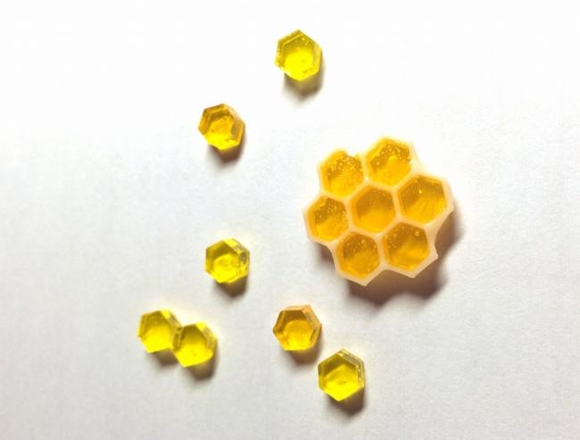 ●004 レジン シリコン 六角形型 蜂蜜 コースター