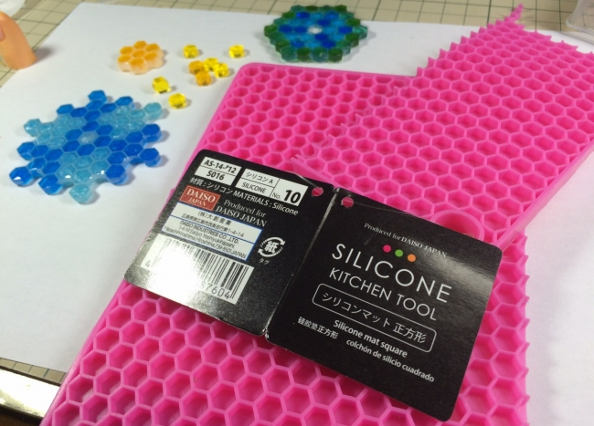 ●011 レジン シリコン 六角形型 蜂蜜 コースター