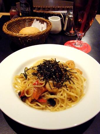 『エミリーフローゲ』の海老とグリル野菜の醤油風味