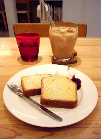 『moi cafe(モイカフェ)』のパウンドケーキ(プレーン)