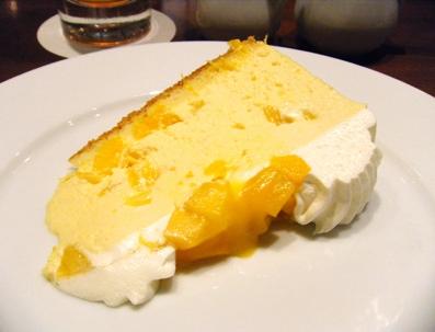 『ハーブス』のアップルマンゴーのケーキ