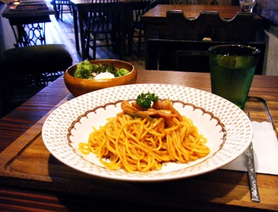 『old cafe ときの木』のスパイスナポリタン