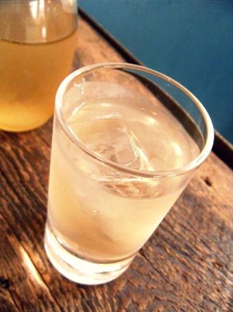 『お茶とお菓子 横尾 (ヨコオ)』の吉野の天然うめジュース