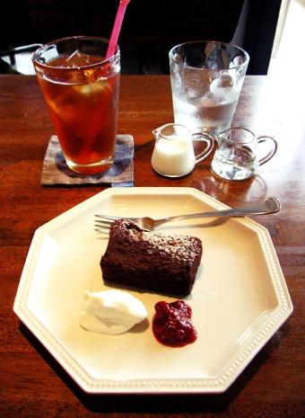 『Cafe anselmo(カフェアンセルモ)』のデリスショコラ