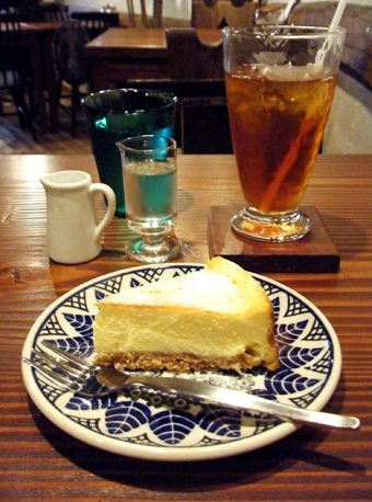 『old cafe ときの木』のベイクドチーズケーキ