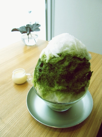 『coromo-cya-ya(コロモ チャ ヤ)』の抹茶ミルクのカキ氷