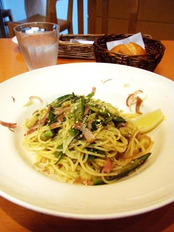 『アフタヌーンティー・ティールーム』の夏野菜のジンジャーソイソースパスタ