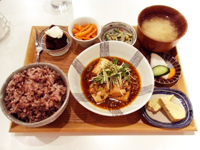 『sippo cafe(シッポ カフェ)』の麻婆豆腐