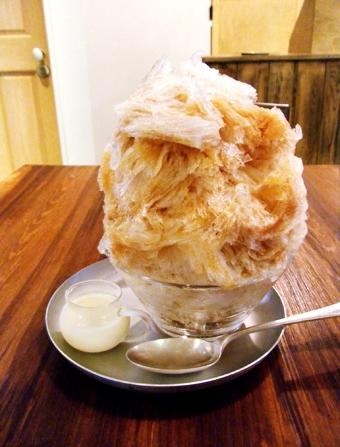 『coromo-cya-ya(コロモ チャ ヤ)』のアールグレイミルクのカキ氷
