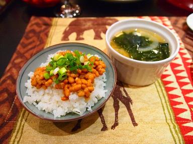 納豆ご飯にお味噌汁[1]