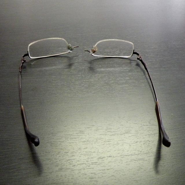 メガネ 010
