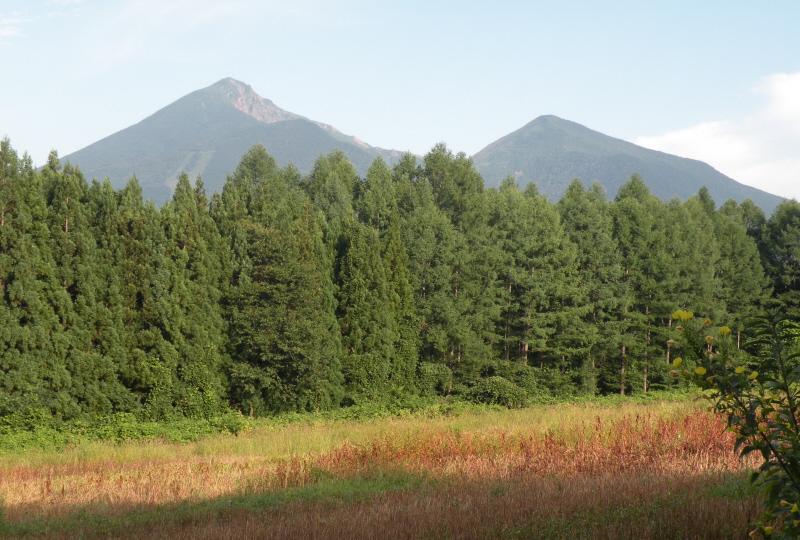 朝の磐梯山