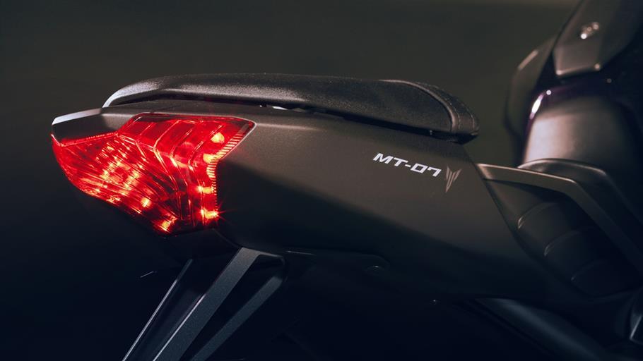 MT-07-EU-Deep-Armor-Detail-テールライト