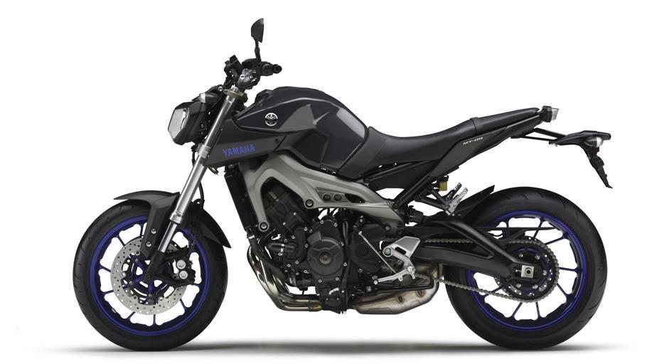 2014-Yamaha-MT-09-EU-Race-Blu-Studio-006.jpg