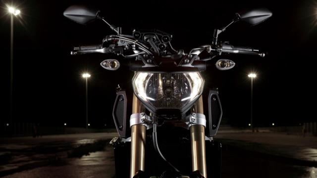 Yamaha-MT-09-EU-Deep-Armor-Detail-011web.jpg