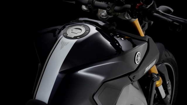 Yamaha-MT-09-EU-Deep-Armor-Detail-023web.jpg