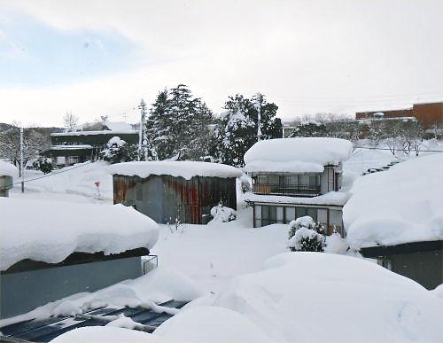 03 500 20141218 From Roof toward Mt Myoko