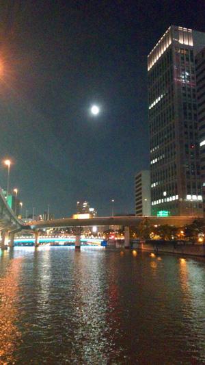 月夜の大阪