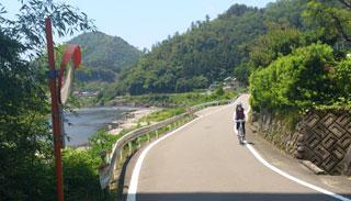 長良川県道沿い1