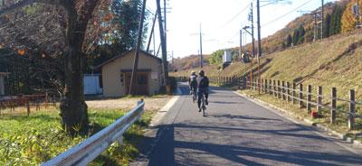 旧中仙道を下ります。