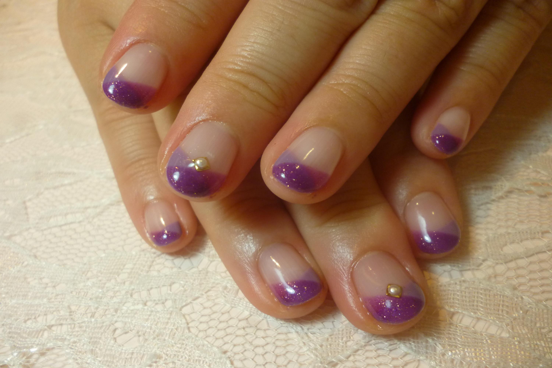 2014ネイルデザイン 2色の紫クロスフレンチネイル