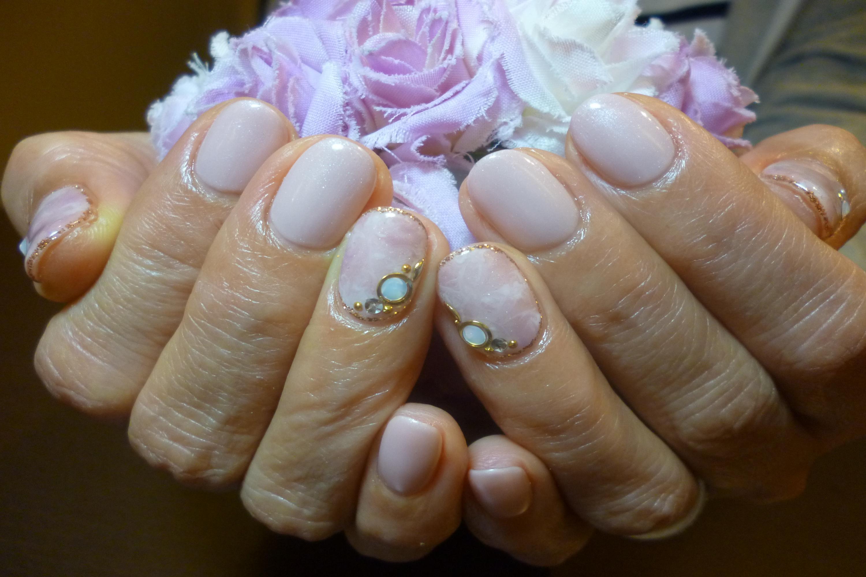2014ネイルデザイン 上品桜色ワンカラーネイル タイダイ柄マーブルネイル