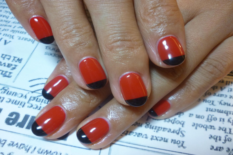 2014ネイルデザイン 赤ワンカラー&まっすぐ黒フレンチネイル
